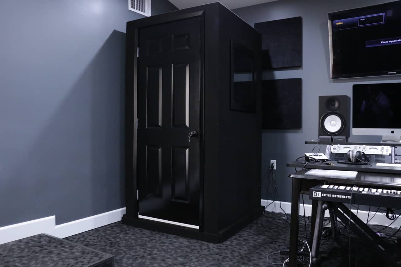 Vocal booth phone booths sound recording studio whisper for Classic house vocals acapella