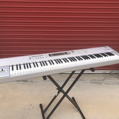 Korg Triton LE 88 Music Workstation - pre-owned keyboard synth