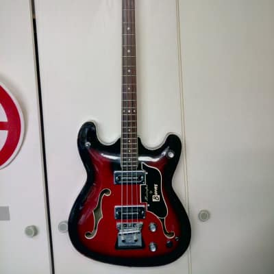 Burns  Vibraslim Bass  1966 redburst for sale