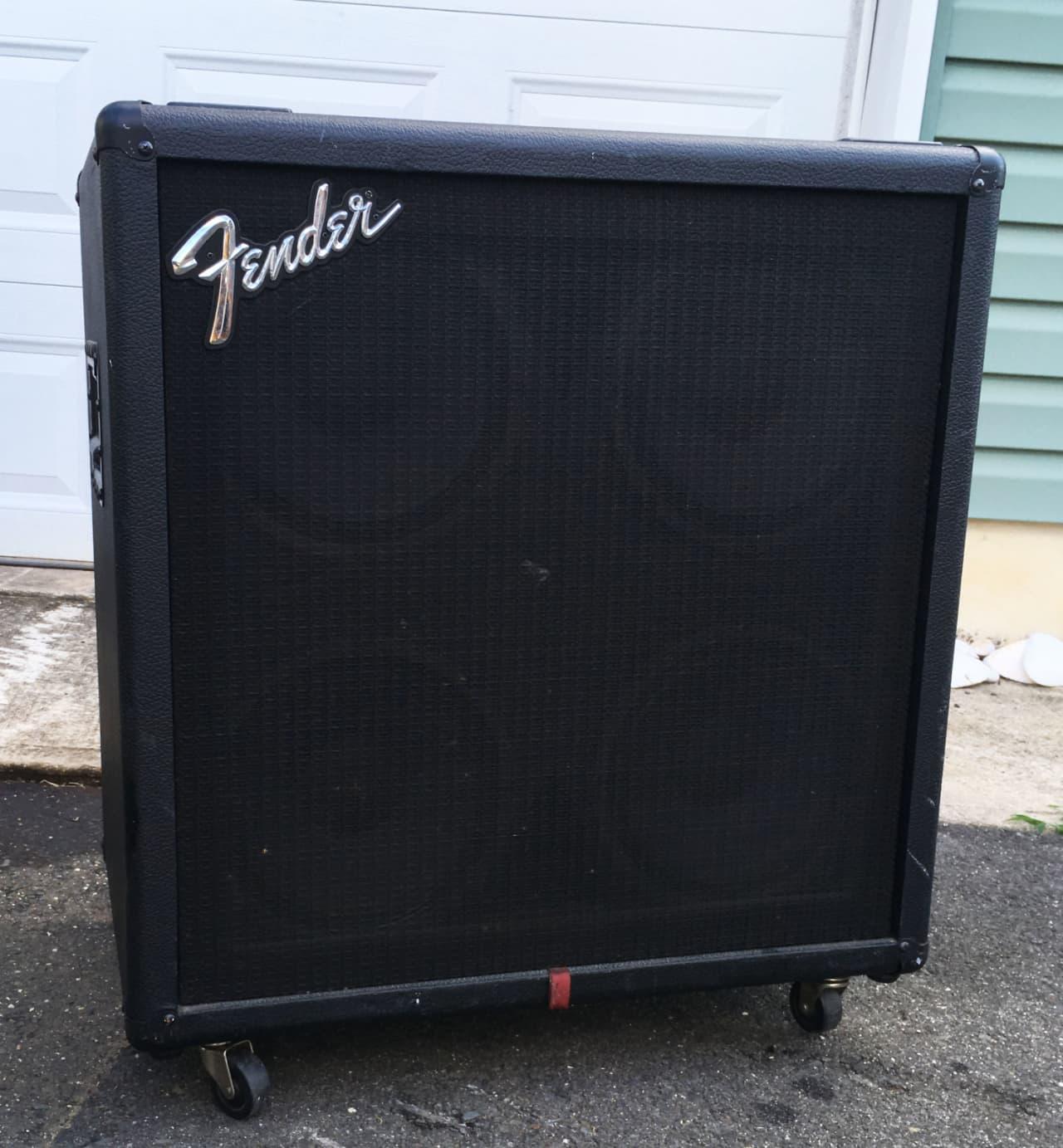 fender bxr410 bass guitar cabinet with four genuine fender reverb. Black Bedroom Furniture Sets. Home Design Ideas