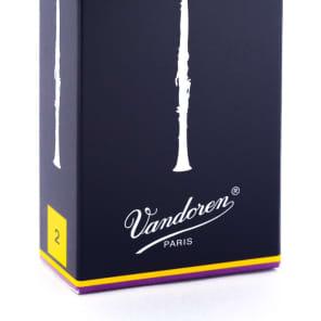 Vandoren CR102 Traditional Bb Clarinet Reeds - Strength 2 (Box of 10)