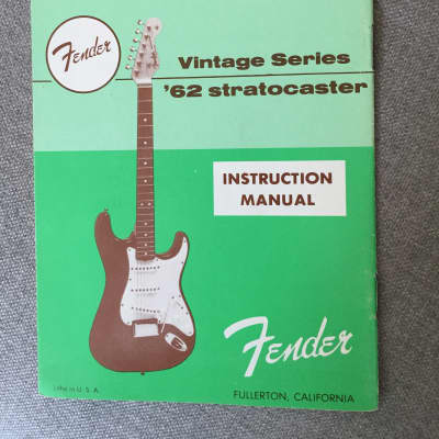 Fender Stratocaster '62 Vintage Series  1982 AVRI Instruction Manual