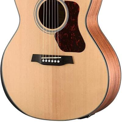 Walden G550RE Natura Solid Spruce Top Armrest Grand Auditorium Acoustic-Electric Guitar - Open Pore Satin Natural