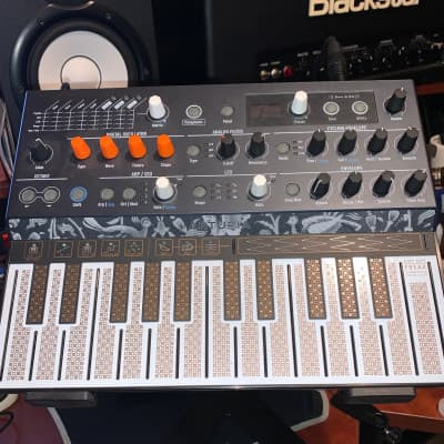 Arturia MicroFreak 25-Key Algorithmic Synthesizer