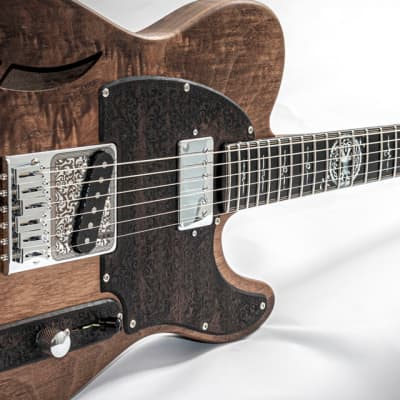 Mithans Guitars T° roots walnut  boutique hand-made guitar for sale