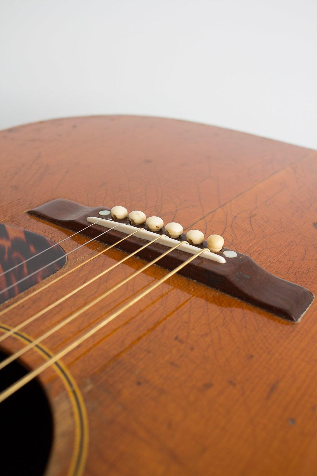 Gibson J 35 Flat Top Acoustic Guitar 1941 Black Hard Shell Case