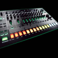 Roland Rhythm Performer TR-8