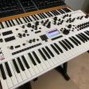 MODAL ELECTRONICS 002 12-Voice Analogue-Digital Hybrid Synthesizer