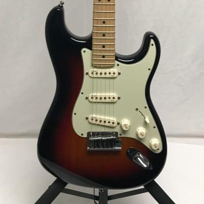 Fender American Deluxe Stratocaster 2011 3 Tone Sunburst
