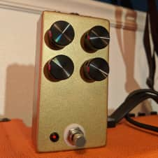 Sunset Effects Mammoth Bass Fuzz Clone Gold