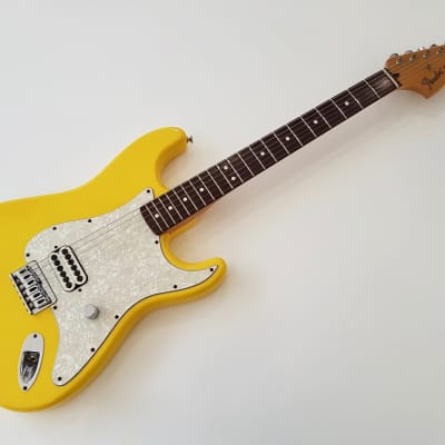 Fender Stratocaster Tom Delonge 2002 Graffiti Yellow for sale