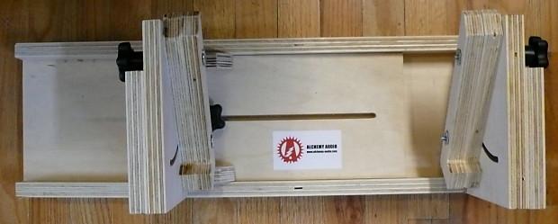 Electric Guitar Amp Maintenance : alchemy audio electric guitar adjustable amplifier cradle for reverb ~ Russianpoet.info Haus und Dekorationen