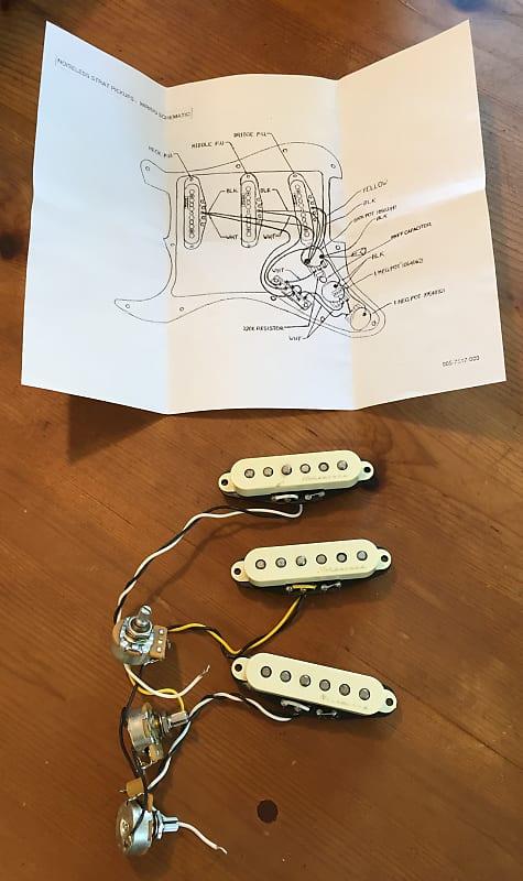 Fender Vintage Noiseless Stratocaster Pickups  Set  Aged