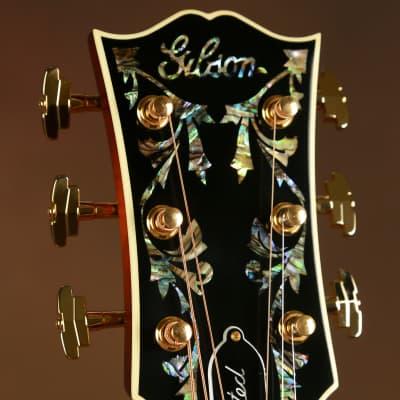 2017 Gibson SJ-200 Custom Vine Autumn Sunburst Acoustic Guitar J-200 for sale