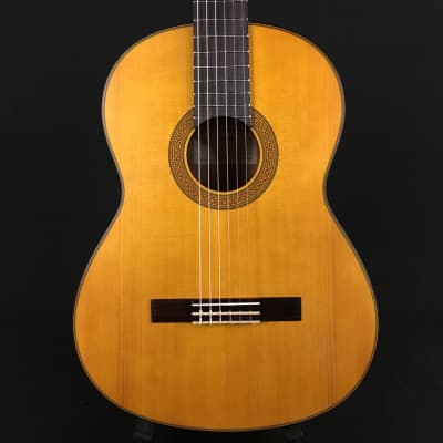 Yamaha CG122 Classical Guitar Solid Spruce Top (IQY050316)