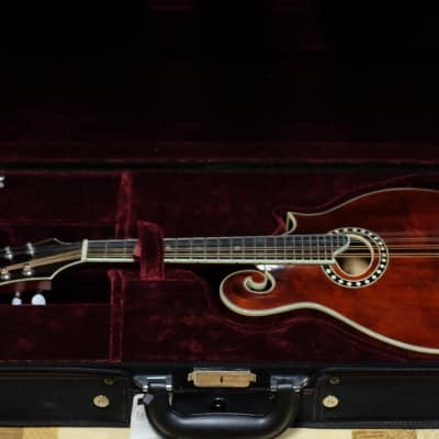 Stunning Eastman MD614 with Electronics and Hard Case!