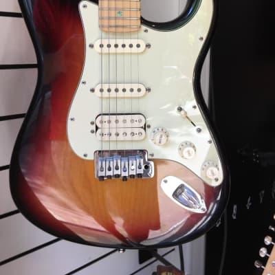 Fender American Deluxe Stratocaster HSS 2004 3-color sunburst