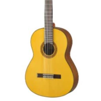 Yamaha CG162S Spruce Top Classical Guitar Natural