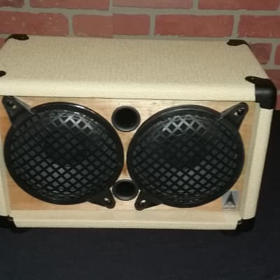 The EarCandy Mini 2x6 Guitar amp speaker cab 75 Watts @ 8 Ohms Cream and Cherry for the Milkman
