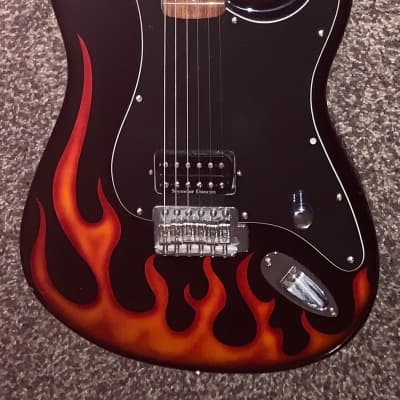 2002 Fender Hot rod flames STRATOCASTER electric guitar  tom Delonge vibe for sale