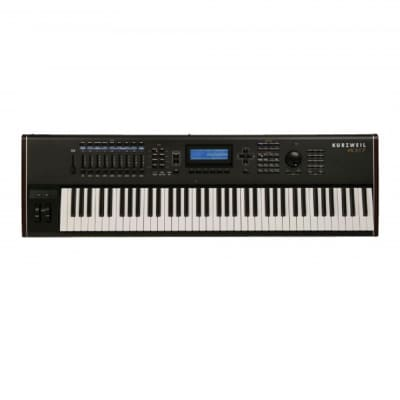 Kurzweil - PC3K7: With Kore 64 Expansion, PC2SRIB Ribbion Controller, And Gig Bag