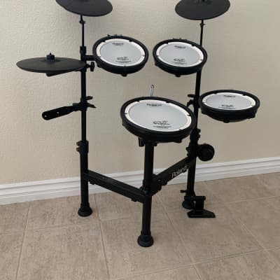 Roland TD-1KPX V-Drums Portable (with TD-4 Percussion Sound Module & CD-TDP Carrying Case)