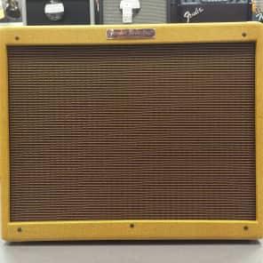 """Fender '57 Custom Twin-Amp 2-Channel 40-Watt 2x12"""" Guitar Combo"""