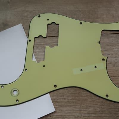 '62 Fender Precision '60-'64 Mint Green 1960 thru 1972 USA Vintage Pickguard 62 AVRI