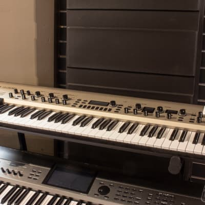 Korg KingKORG 61-Key Analog Modeling Synthesizer, Demo