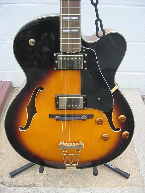 S101 Jazz Style Sunburst Guitar W/ Gig Bag   Bernie's Guitars