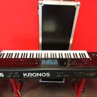 Korg Kronos v2 73 +flightcase