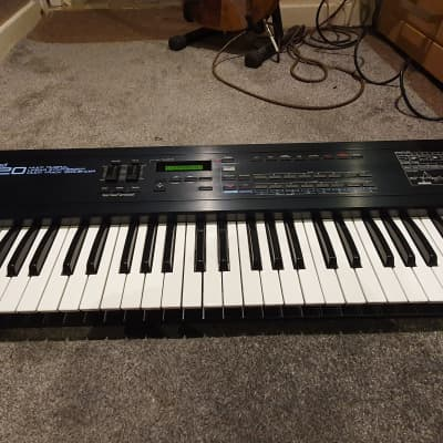 Roland D-20 61-Key Multi-Timbral Linear Synthesizer / Multitrack Sequencer