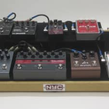 NYC Pedalboards Big Shot Pedalboard w/ 2nd Level & Tweed Case