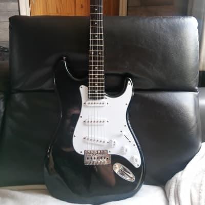 C Giant Stratocaster Black for sale
