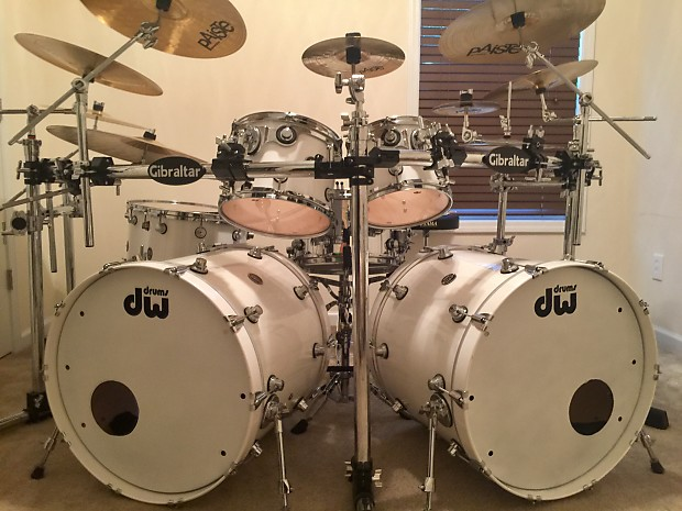 DW Performance Series Double Bass Drum Set White Ice