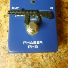 Behringer PH9, 2013 Royal Blue, with patch cable