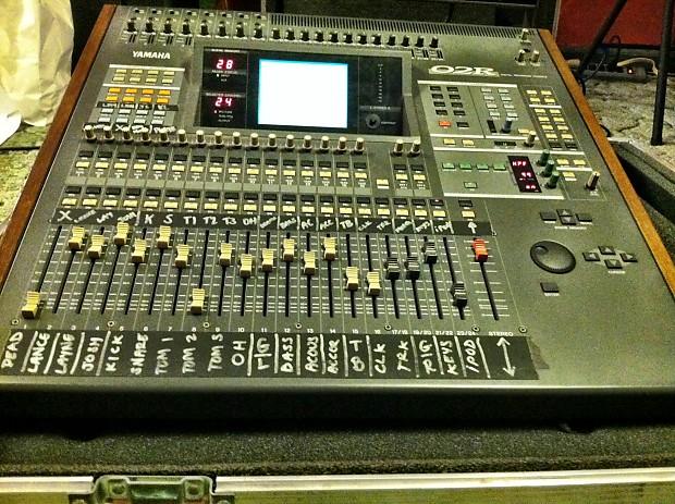 Yamaha Digital Mixer O2r : yamaha o2r digital studio mixer w meter bridge and road case reverb ~ Russianpoet.info Haus und Dekorationen