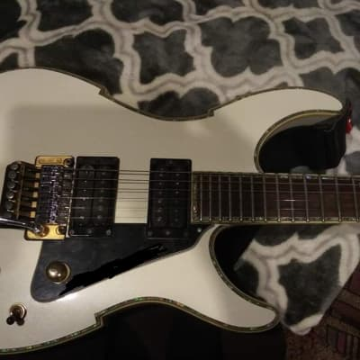 Peavey Vandenberg type White with gold hardware for sale