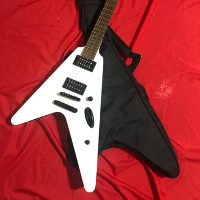 Grass Roots by ESP G-HV-50SM White V Type Electric Guitar for sale