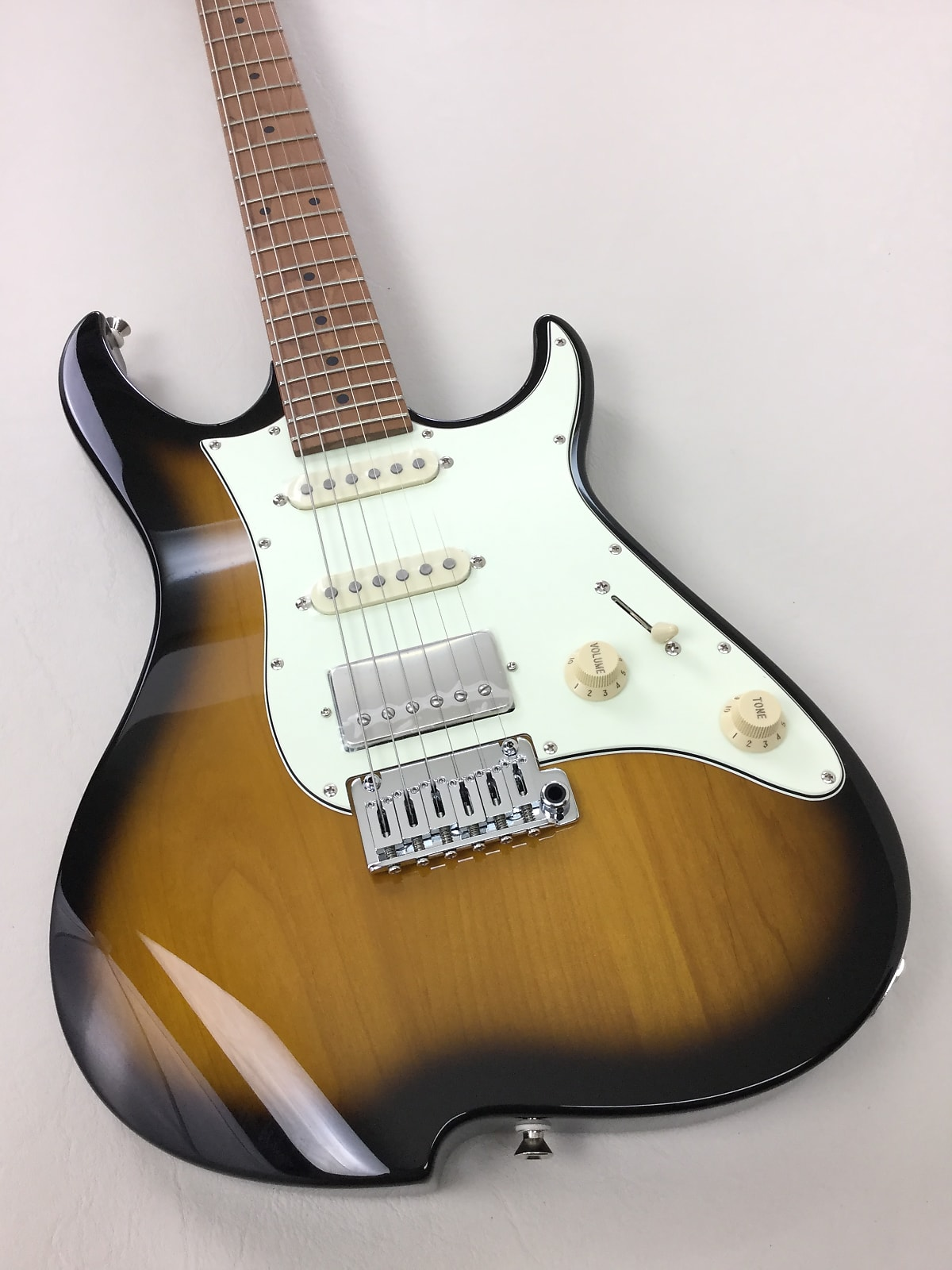 Vola OZ RMN Sunburst - New 2020 Model (w/ Vola Deluxe gig bag) + Free Shipping