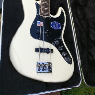 Fender American Deluxe Jazz Bass Olympic White / Rosewood Neck 2011 for sale