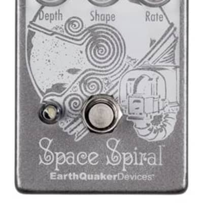 EarthQuaker Devices Space Spiral V2 Modulated Reverb