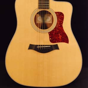 Taylor 210ce Sitka Spruce / Rosewood Dreadnought with ES-T Electronics, Cutaway 2009 - 2015