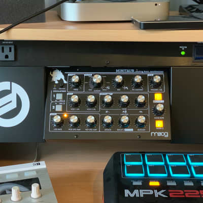 Moog Minitaur Analog Bass Synthesizer w/ Rackmount Kit