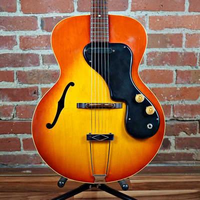 Gibson ES-120T Sunburst 1966 With Gretsch Case