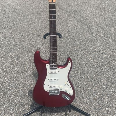 Squier Affinity Series Stratocaster 2010s Candy Apple Red