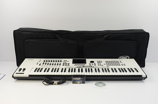 Yamaha MOTIF XF7 76-Key Music Workstation Special Edition White w/Gig Bag