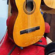 Jolie guitare  flamenco à chevilles vers 1930 for sale