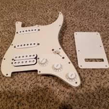 2004 Fender MIM Stratocaster Loaded Pickguard HSS