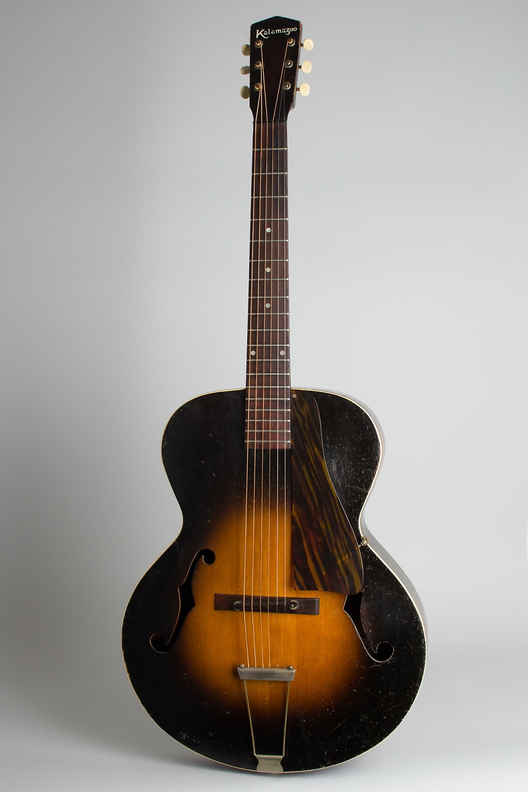 Kalamazoo  KG-31 Arch Top Acoustic Guitar,  c. 1936, NO CASE case.